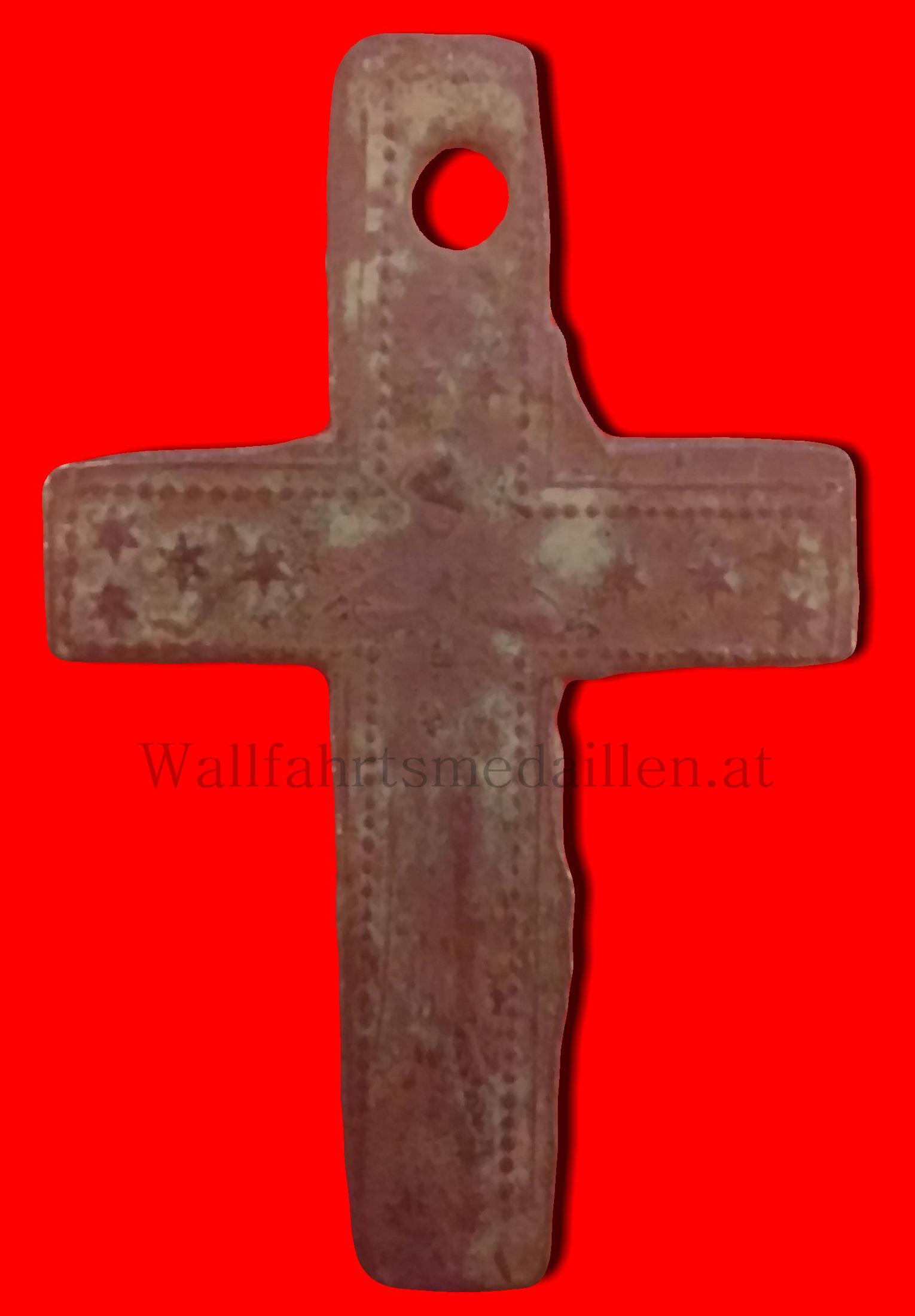 Lateinisches Kreuz mit Perlrand