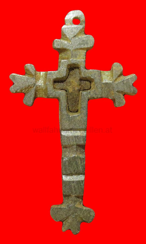 Lateinisches Sterbekreuz mit Holzeinlage